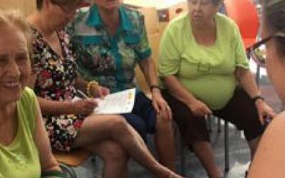 FADEMUR lanza una guía de la cuarentena para las cuidadoras informales