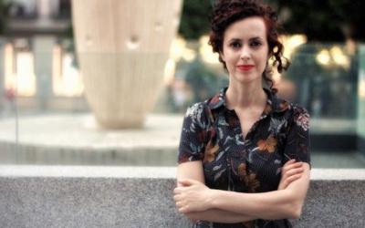 """La periodista y escritora Isabel Cadenas Cañón, con el pódcast """"Una placa en mi pueblo"""", gana el X Premio Internacional de Periodismo """"Colombine"""", que patrocina Fundación Unicaja"""